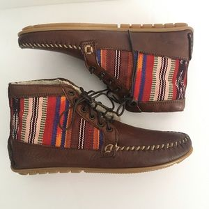 Anthropologie 2586 Cheyenne leather moccasins 8.5